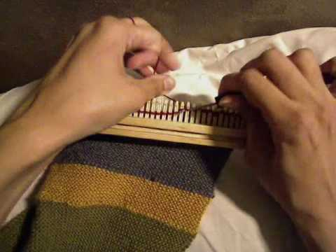 Changing Colors On Dr. Who Scarf (Knitting Loom Style)