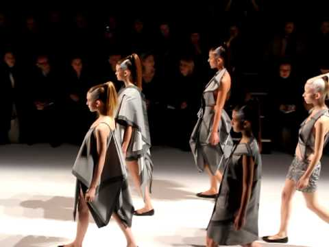 Issey Miyake Fall Winter 2011-2012 Full Fashion Show. Paris Fashion Week