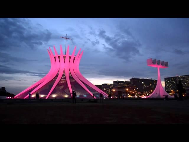 Esplanada dos Ministérios adere à campanha Outubro Rosa