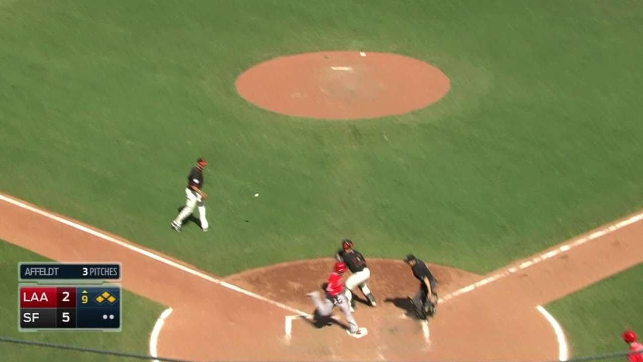 LAA@SF: Calhoun singles home a run in the 9th