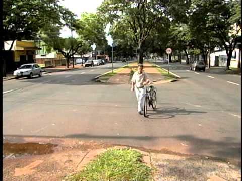 VITIMA ATROPELADA E BALEADA NA AV MANDACARU EM MARINGÁ