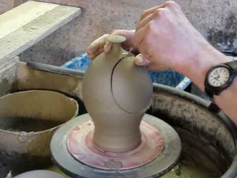 Making a clay Pottery Ceramic Salt Jar / Salt Pig on a potters wheel throwing demo