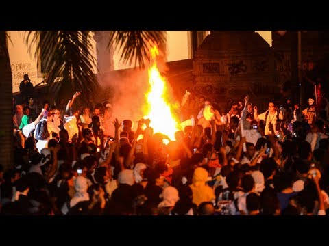 Brazil protests: up to 200,000 in violent nationwide clashes