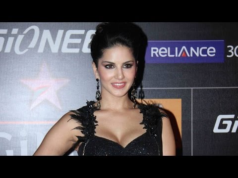 Sunny Leone Exposing in Sexy Black Dress