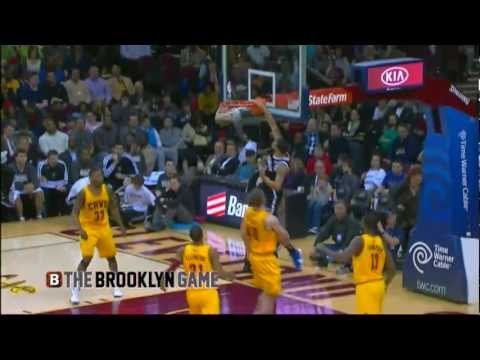 Deron Williams 1st Dunk as a Brooklyn Net!