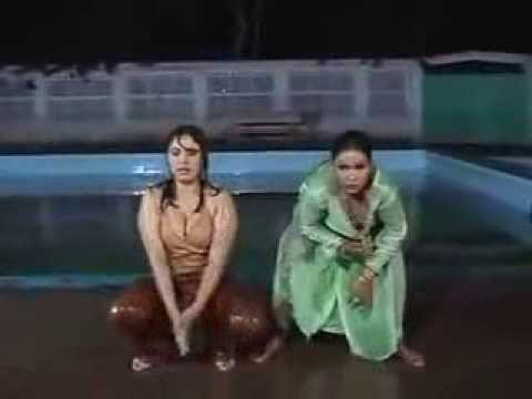 Hot Girl  Dubai Mujra 2014 video