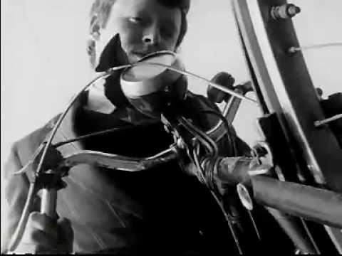Ridley Scott - 1965 - Boy & Bicycle   tallerdebicicletas.com