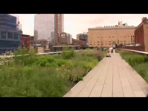 High Line Park: Walking above  the West Side in NYC