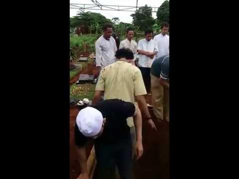 Prosesi Pemakaman Kakak Tercinta