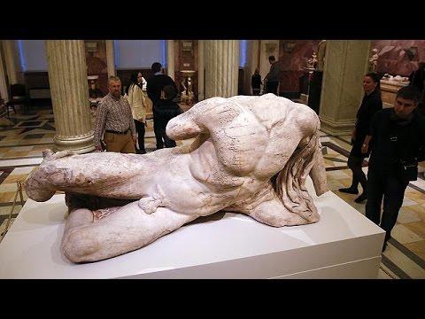 غضب في أثينا، بسبب إعارة بريطانيا قطعة أثرية يونانية إلى متحف روسي