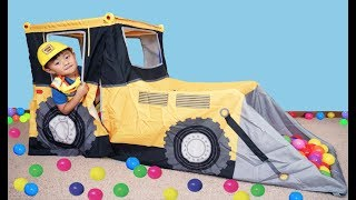 Pretend Play with Bulldozer Play Tent and Pit Balls