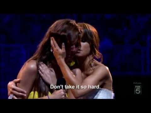 Paula Abdul helps crying girl