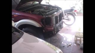 Mahindra Scorpio choked Condenser Cleaning - Solved the AC clutch slip issue - (External cleaning)