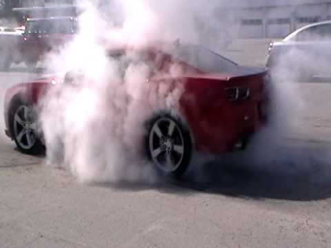 2010 Chevy Camaro SS Burnout