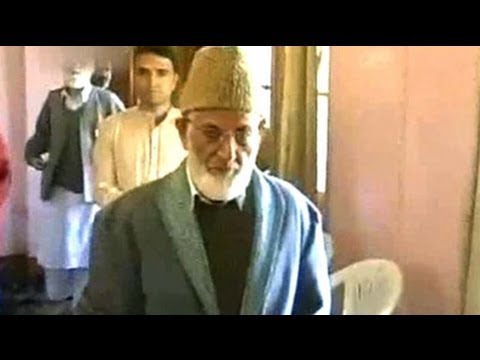 'Emissary' row: Mirwaiz Umer Farooq slams Syed Ali Shah Geelani