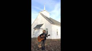 Mason Ramsey Singing 34 This Old Country Church 34