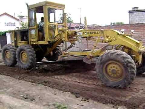 como operara maquinaria pesada (motoniveladora)