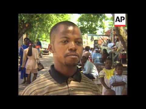 Zaire - Residents prepare for rebel attack