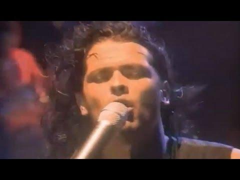 Carlos Vives - Carlos Vives - La Gota Fr�a (Oficial) (1993)