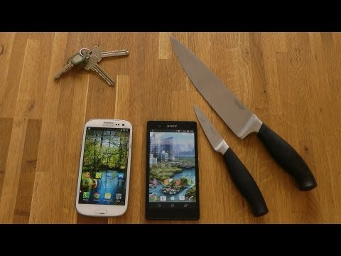 Sony Xperia Z vs. Samsung Galaxy S3 - Knife Screen Scratch Test
