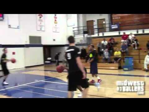 Domonique Criss DUNKFEST at Midwest Baller's Maximum Exposure Invitational - Brookfield Academy 13'
