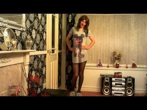 Crossdresser in Night Dress and Slippers 31/10/2014