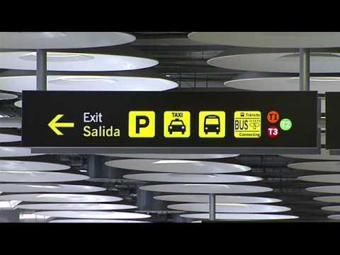 consejos al visitante aeropuerto de madrid barajas youtube