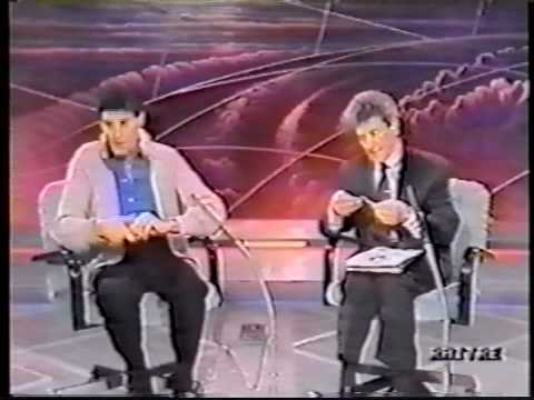 James Randi exposes Uri Geller - part 1 of 4