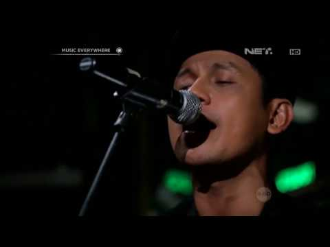 Superman Is Dead - Sunset Di Tanah Anarki ft. Brianna (Live at Music Everywhere) **