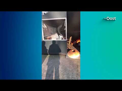 Brandstichter cafetaria Mariënberg in filmpje over zijn motief: 'Ik had warmte nodig'