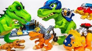 These Dinosaurs Bite~! Chomp Squad Vs Bad dinosaurs - ToyMart TV