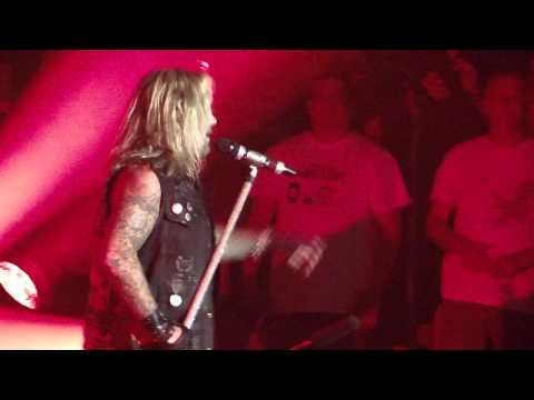 Too Fast For Love - Mohegan Sun Arena 5-18-13