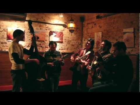 """The Brothers Comatose - """"Valerie"""" (Amy Winehouse/ Zutons Cover)"""