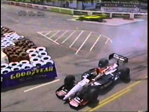 INDY LONG BEACH 1995 MICHAEL ANDRETTI PASSA RETO