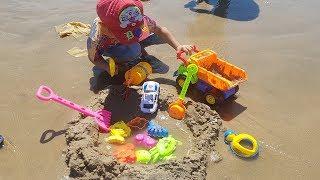 Trò Chơi Bé Chơi Cát Trên Bãi Biển ❤ ChiChi ToysReview TV ❤ Đồ Chơi Trẻ Em