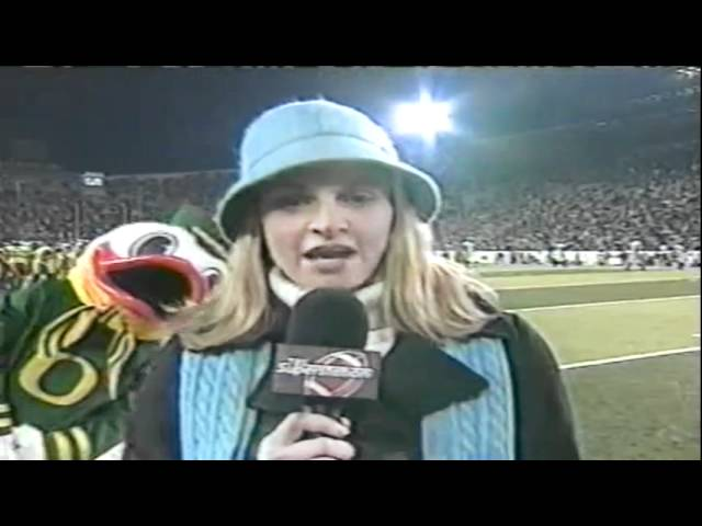 The Duck tries to distract Erin Andrews during Cal-Oregon game 11-08-03