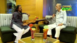 Actor Charuhasan (brother of Kamalahasan) in chat with Poly Varghees - Manam Thurannu (13-1)