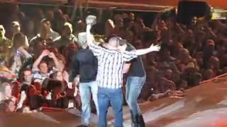 Download Lagu Luke Bryan Country Girl (Shake it for me) 2-7-13 part 2 Gratis STAFABAND