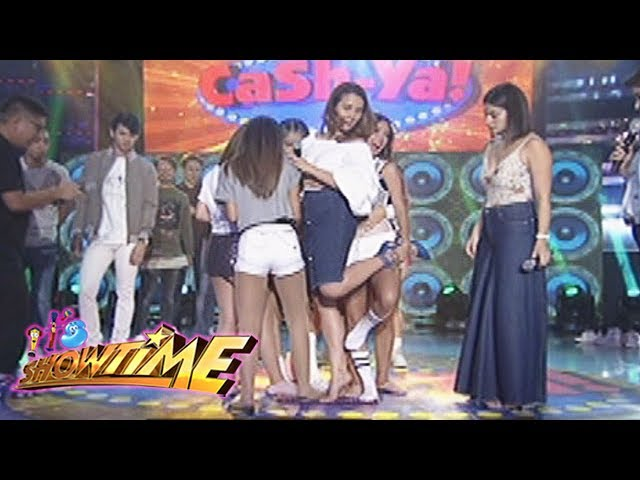 It's Showtime: Team Nadine on a single doormat