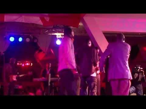 Youssou ndour et la danse de Youza