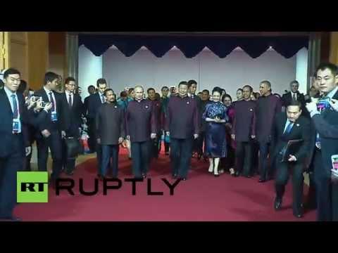 Obama Dress China ▶ China Putin Obama Dress