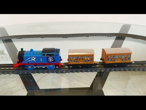 Thomas and Friends Unboxing Trackmaster Red vs Blue Thomas