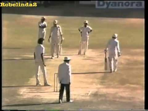 The day Imran Khan treated Ravi Shastri like a street bowler. GOD OF CRICKET = IMRAN