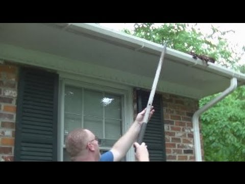 Super Easy Rain Gutter Clean Out!  Rick's Tips!  Noreen