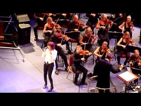 Chrissie Hynde - Vocal (pet Shop Boys Proms Rah 23.07.14) video