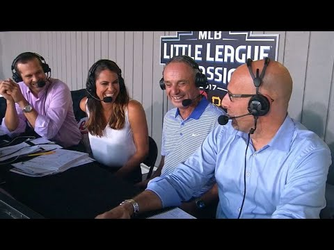 STL@PIT: Manfred talks Little League baseball