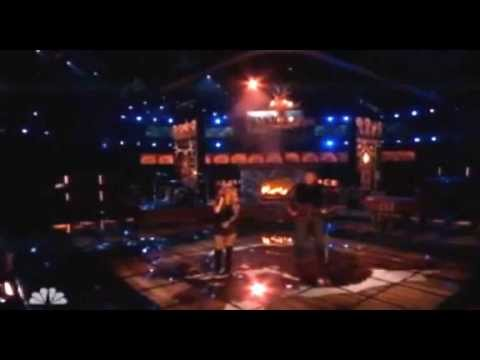Shakira singing on  'The Voice'/Shakira cantando en 'The Voice' 7/05/2013