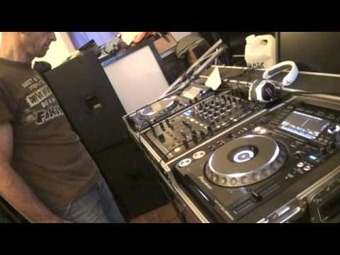 DJ Lesson on Mixing Hip hop tunes that are not at the same BPM  By Ellaskins The DJ Tutor