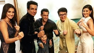 Download Salman Khan POSES With Kung Fu Yoga Team - Jackie Chan, Sonu Sood 3Gp Mp4