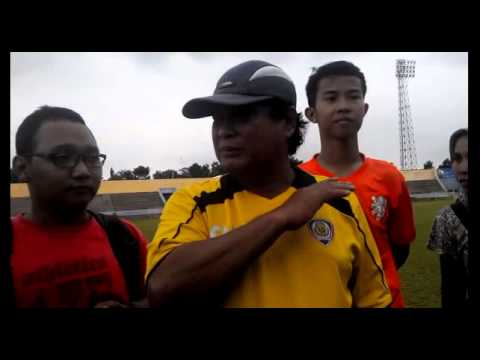 VIDEO Arema Malang Latihan Fisik di Stadion Jatidiri Semarang